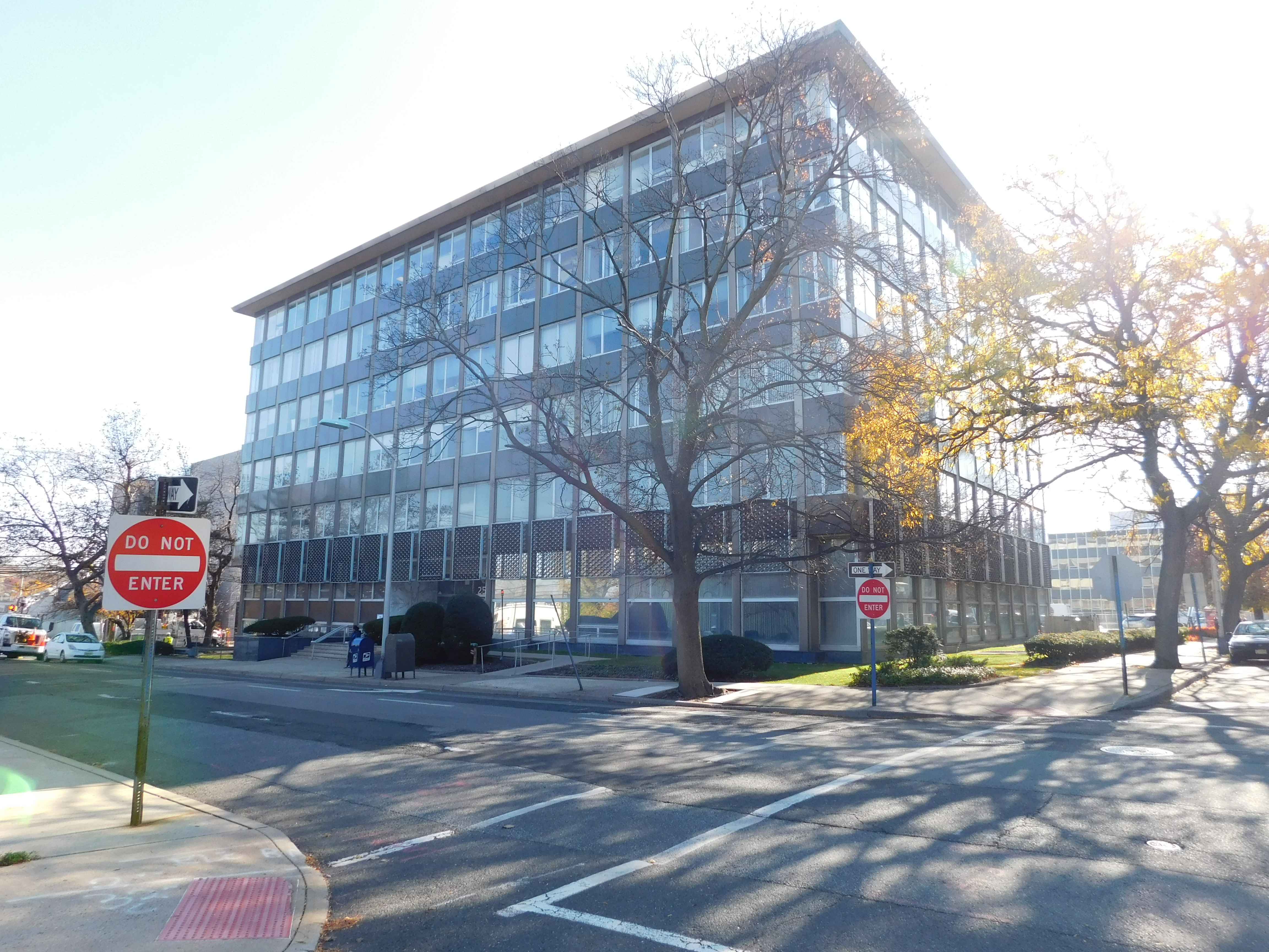 Office Building – 25 East Salem Street, Hackensack NJ 07601