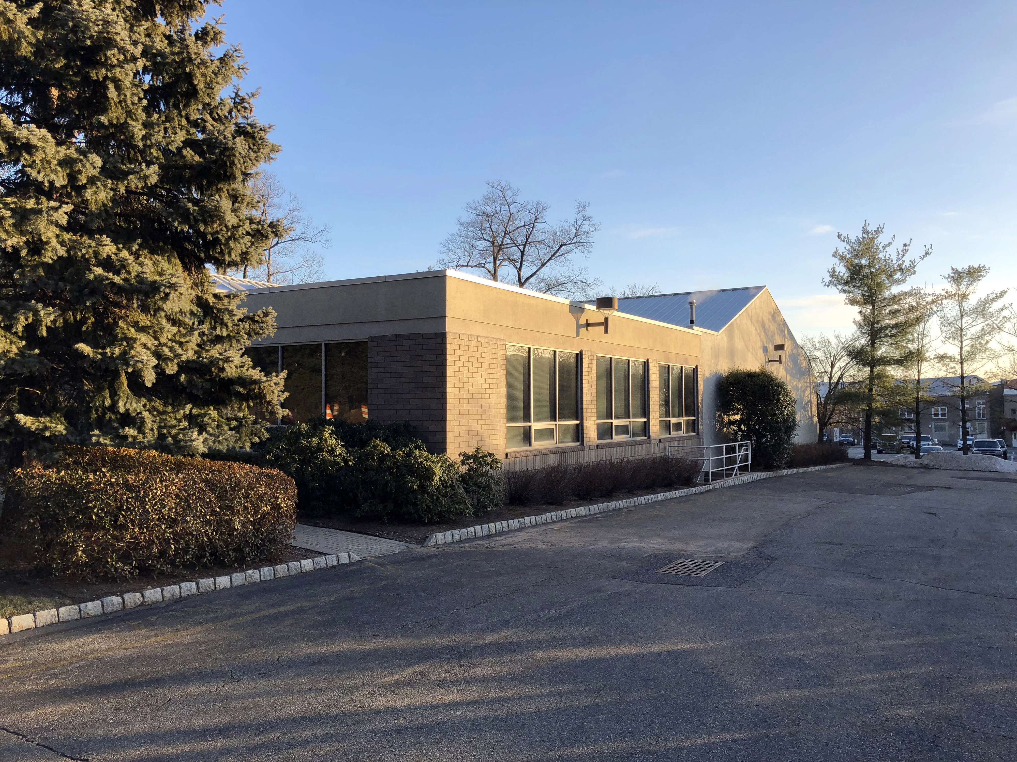 Excellent Small Business Headquarters | 58 Ware Road, Upper Saddle River, New Jersey, 07458