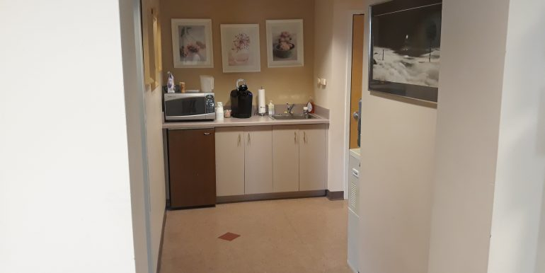Office 6,100 SF Kitchenette