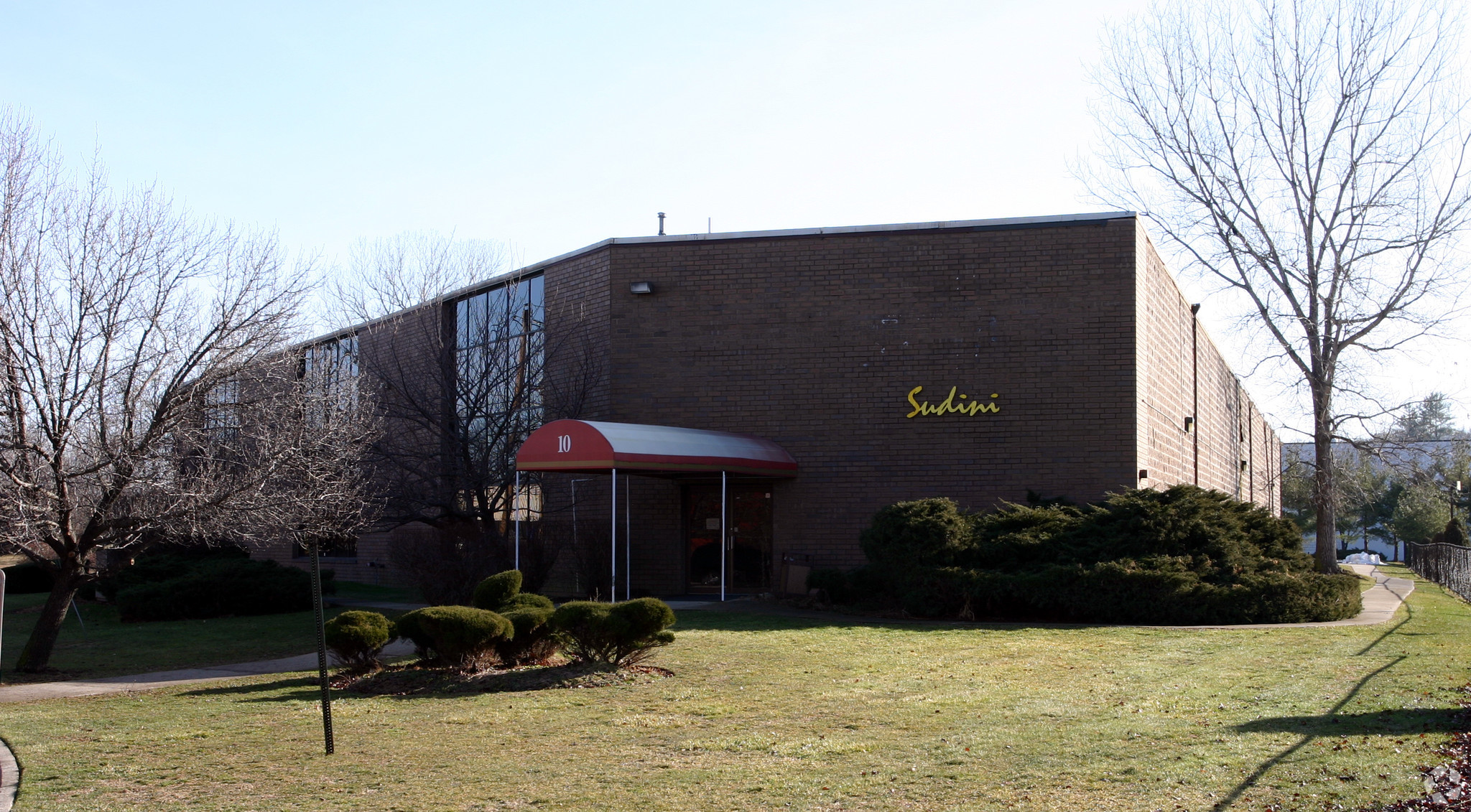 15,000 +/- SF Warehouse/Office Space for Lease 10 Leighton Pl., Mahwah, NJ 07430